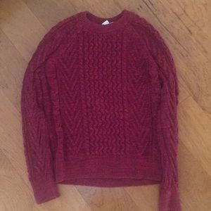 Thick knit maroon sweater
